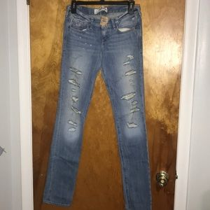 NWT Hollister Distressed Skinny Jeans